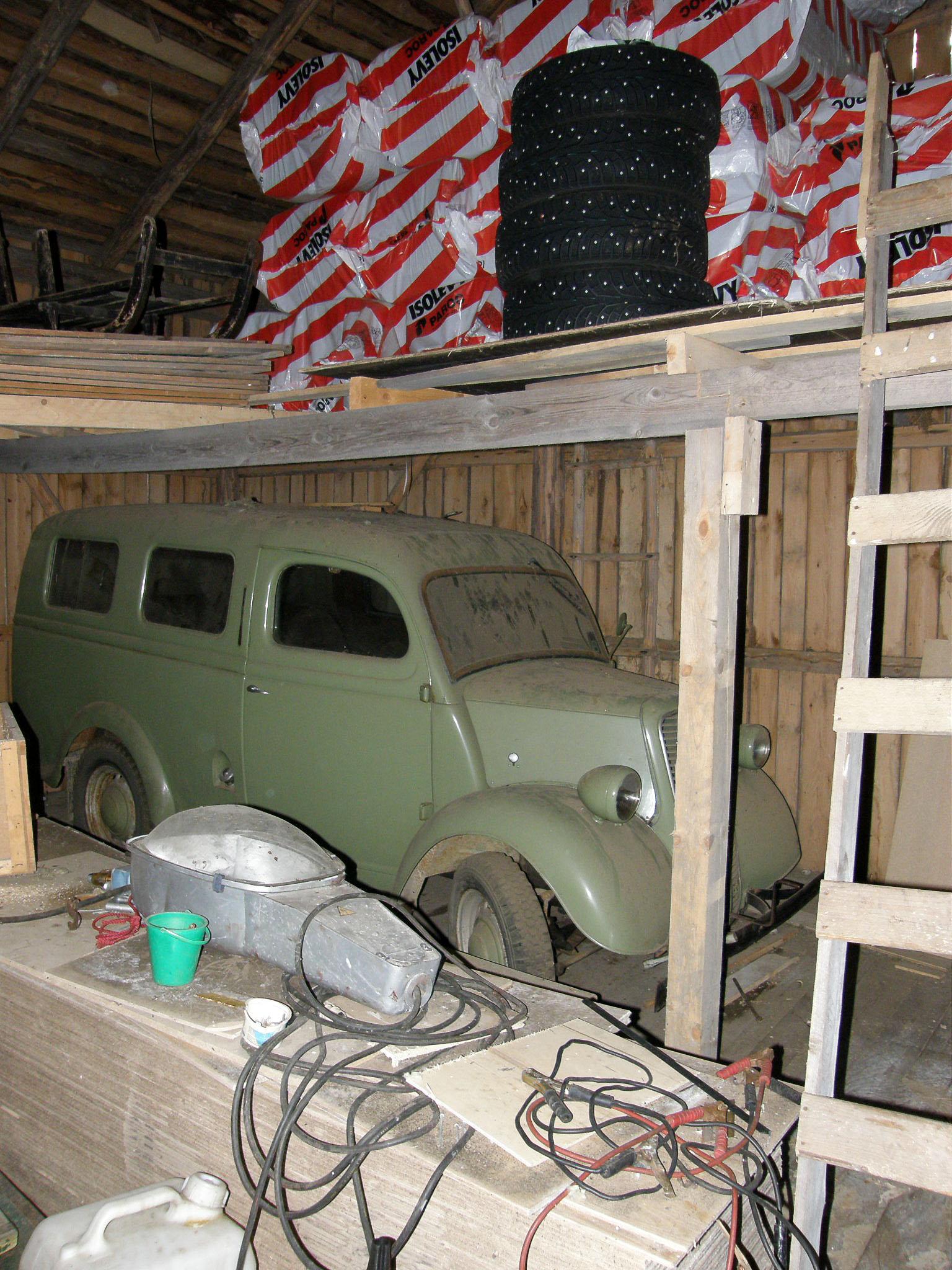 Tässä puimaladossa Pekka Lehtosen auto vietti yli 20 vuotta.