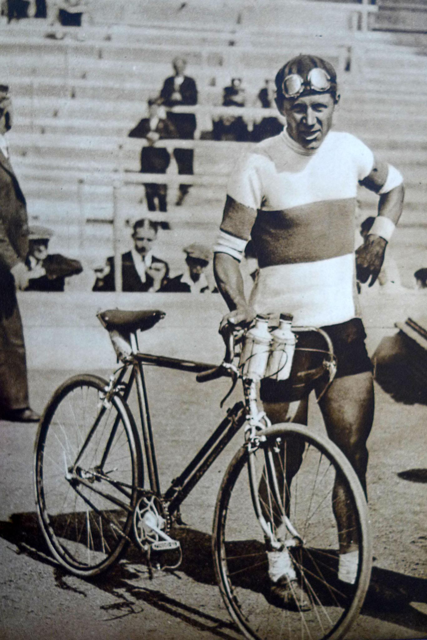 Mobilisti_Crescent_1935_24